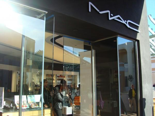 MAC Cosmetic Store