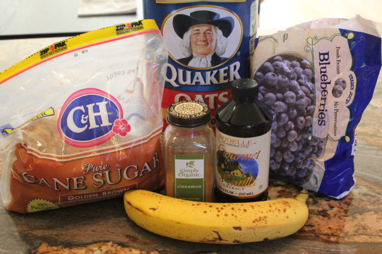 Ingredients needed to make Microwave Blueberry Banana Oat Cakes