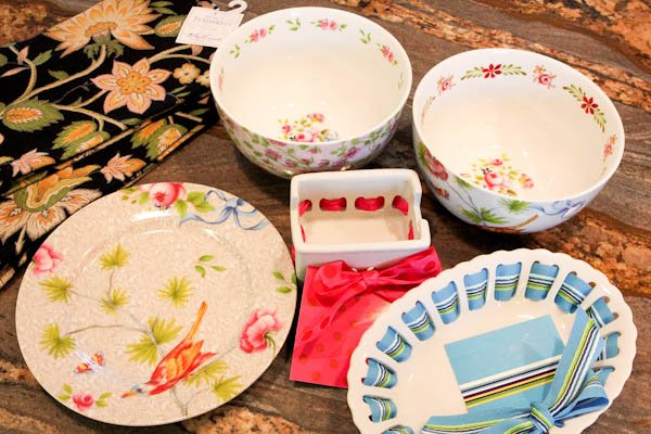floral patterned dishes with ribbons