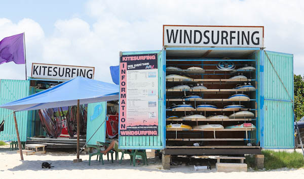 Windsurfing and kitesurfing stands