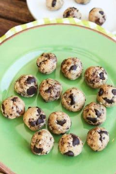No Bake Coconut & Chocolate Chip Cookie Dough Bites