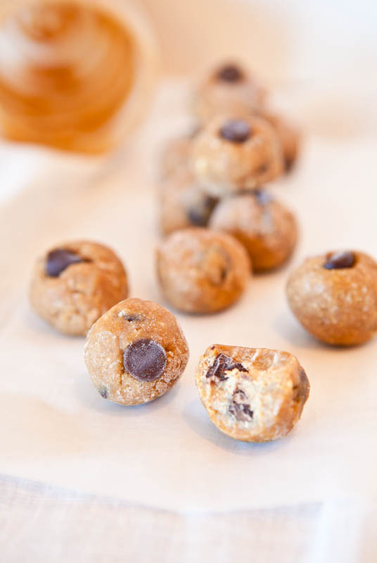 No Bake Peanut Butter Biscoff Cookie Dough Bites