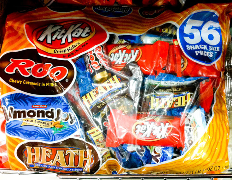 Bag of different candy bars, KitKat, Rolo, Almond JOy, Heath bars 56 snack size pieces