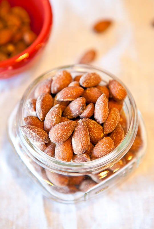 Coconut Cinnamon Sugar Roasted Almonds (vegan, GF) averiecooks.com