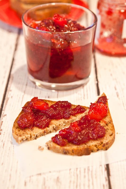 Cranberry & Orange Ginger Mango Chutney on bread and in glass