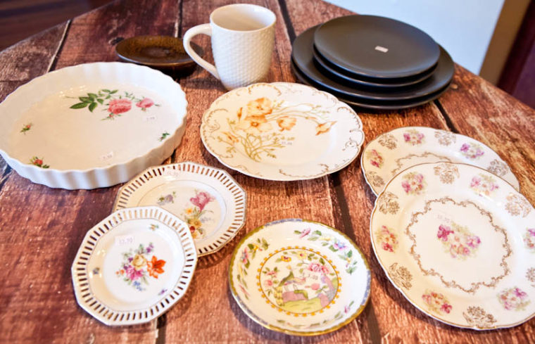 Floral patterned plates and black plates
