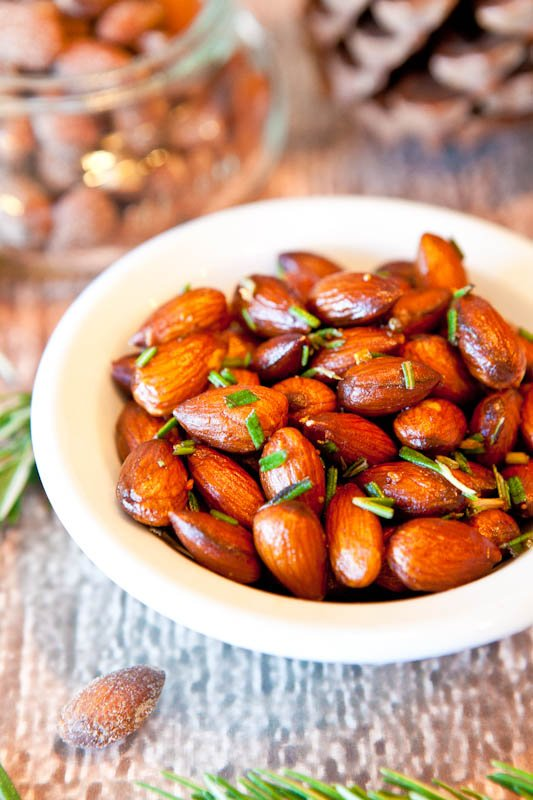 Rosemary Chipotle Roasted Almonds (vegan, gluten-free)