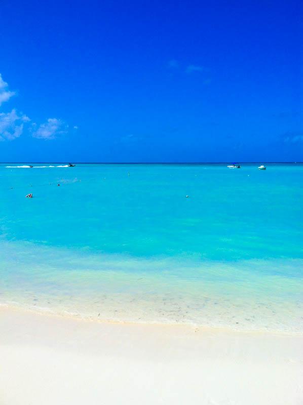 Aruba beach with boats