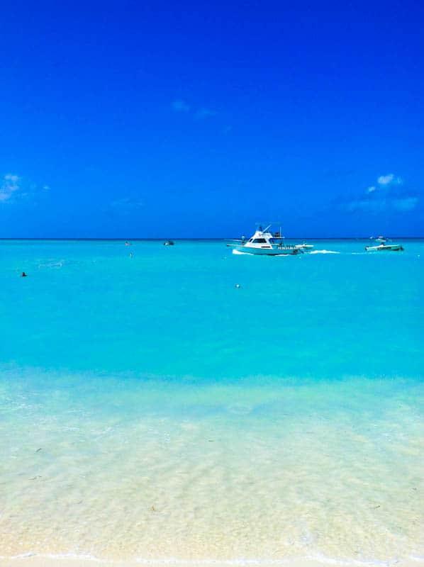 Aruba beach with ships