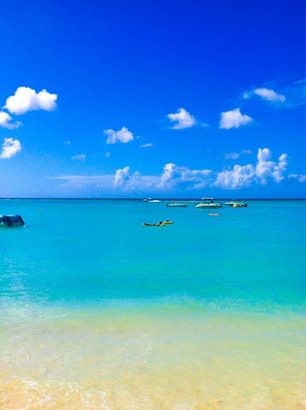 Aruba sea with boats