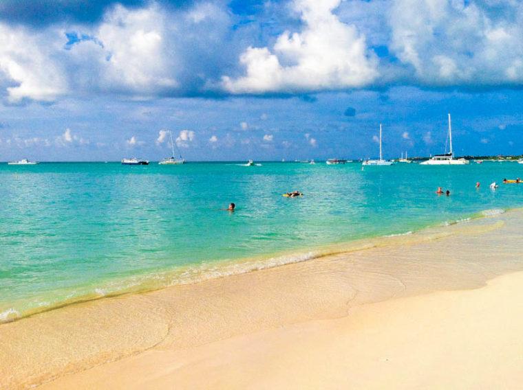 Beach shore in Aruba