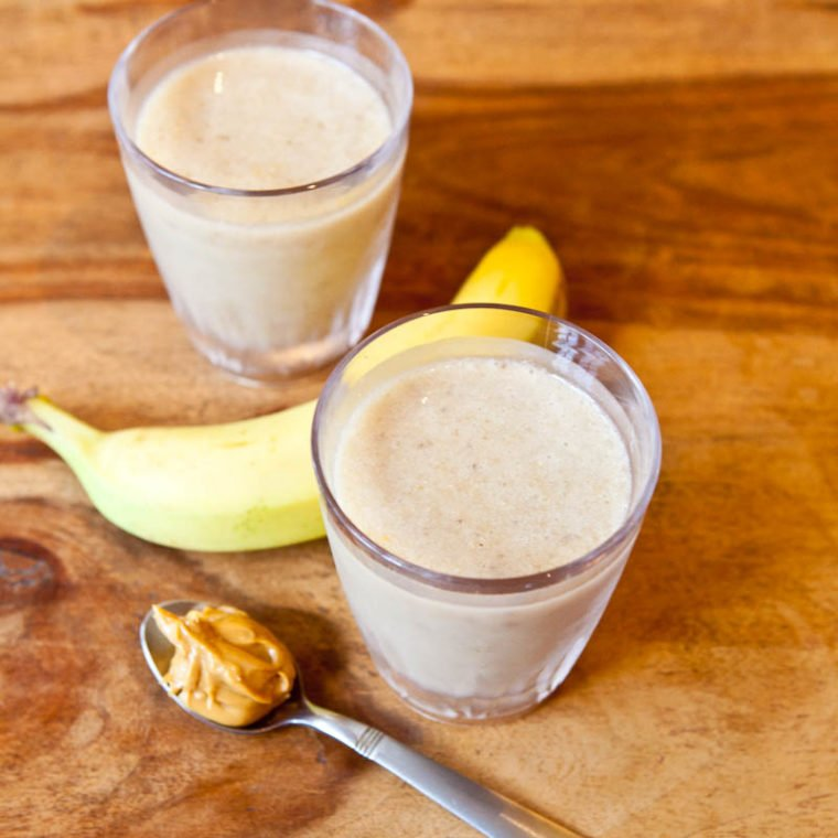 Creamy Cookie Butter White Chocolate Banana Smoothies with banana and cookie butter