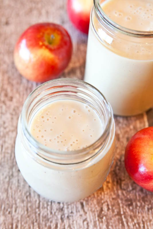Spiced Apple Pie Smoothie (vegan, GF) - Sweet, creamy & you know what they say...An apple pie smoothie a day keeps the doctor away!