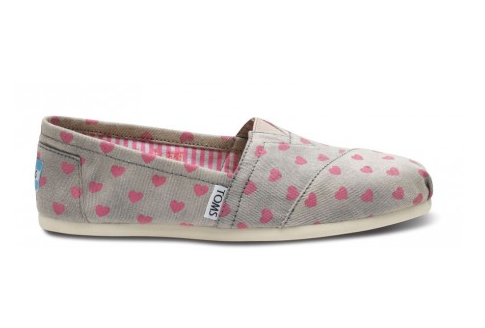 Gray toms shoes with pink heart pattern