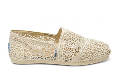 White crocheted toms
