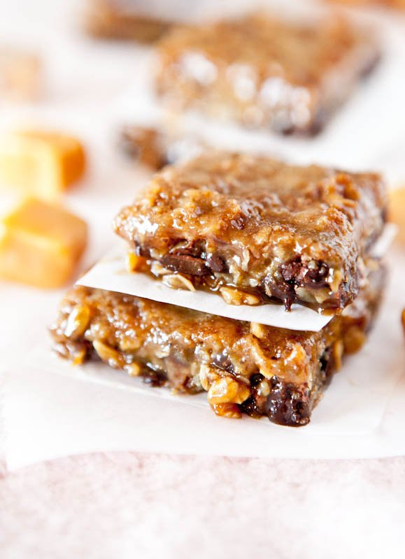 Caramel and Chocolate Gooey Bars - Easy Recipe at averiecooks.com