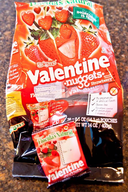Strawberry valentine nugget snacks packets