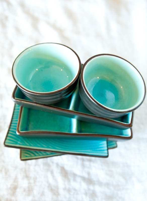 Teal plates and bowls