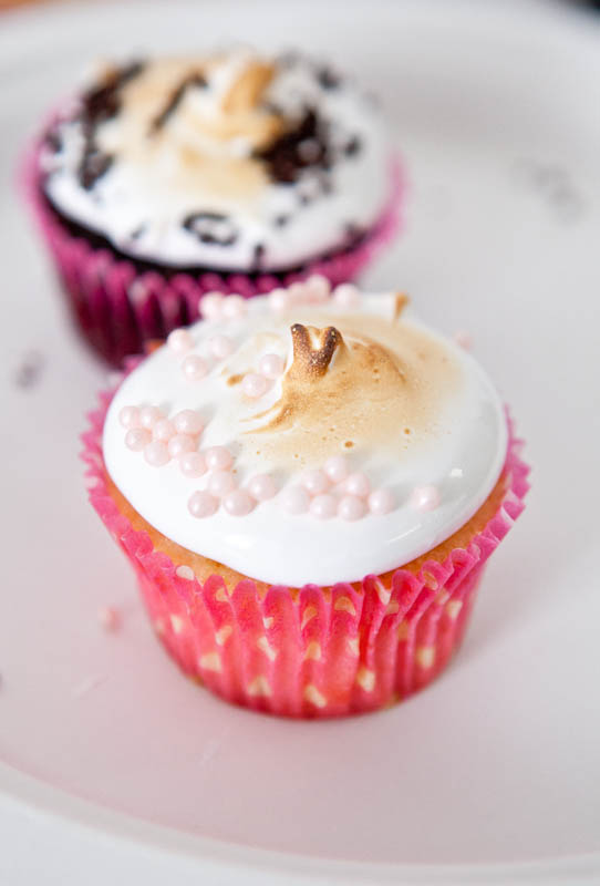 Decorated cupcakes with roasted tops