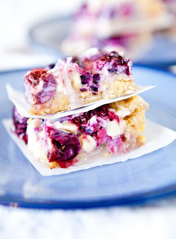 Creamy Mixed Berry White Chocolate Crumble Bars