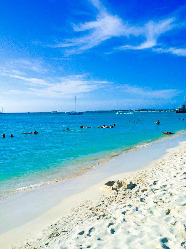 Aruba beach with white sand and ships