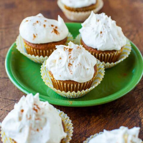 Pumpkin Spice Cupcakes with Marshmallow Buttercream Frosting