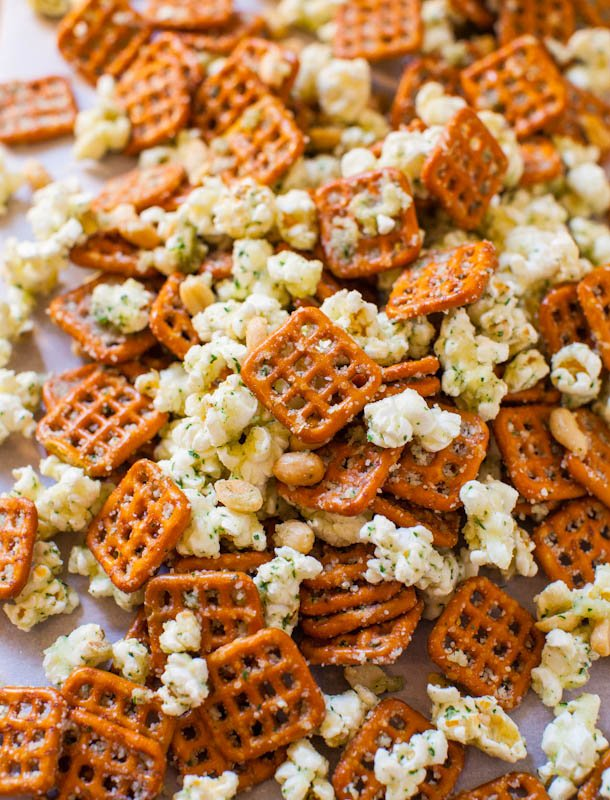 Parmesan Ranch Snack Mix (no-bake) averiecooks.com