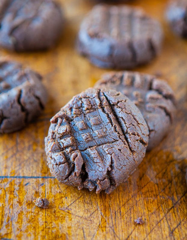 Chocolate Peanut Butter Cookies (GF) - No butter, No white sugar, and No flour used averiecooks.com