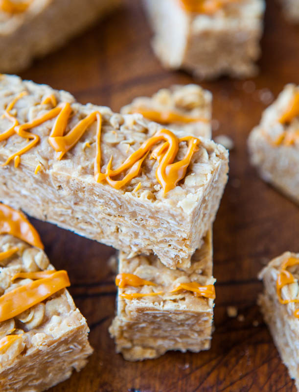 Peanut Butter Oatmeal Cookie Granola Bars (no-bake, vegan, gluten-free) @averiecooks.com