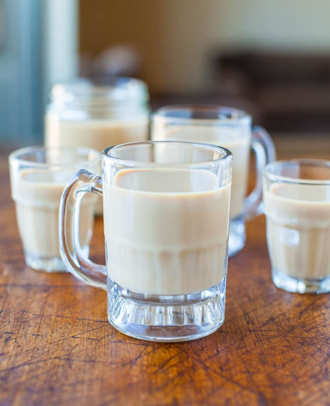 Homemade Baileys Irish Cream - Make in 1 minute averiecooks.com
