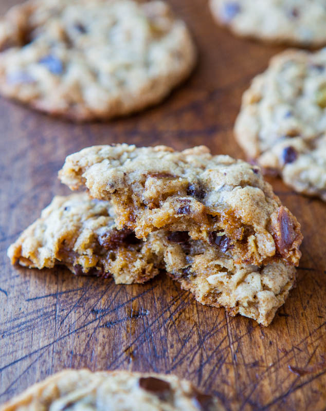 Slice-and-Bake Oatmeal Raisin Chocolate Chip Cookies averiecooks.com