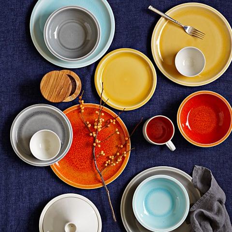 Overhead of Jars Cantine 16-piece Dinnerware Set