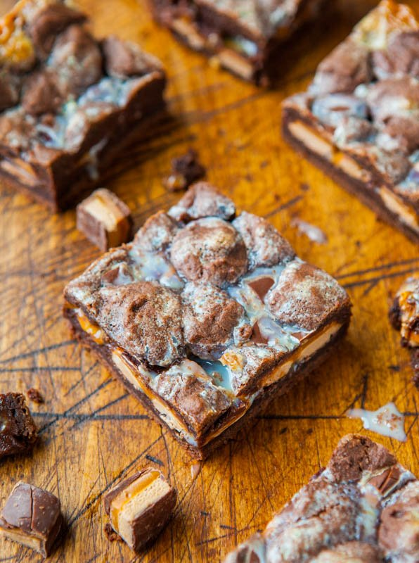 Milky Way Chocolate Cookie Crumble Bars averiecooks.com