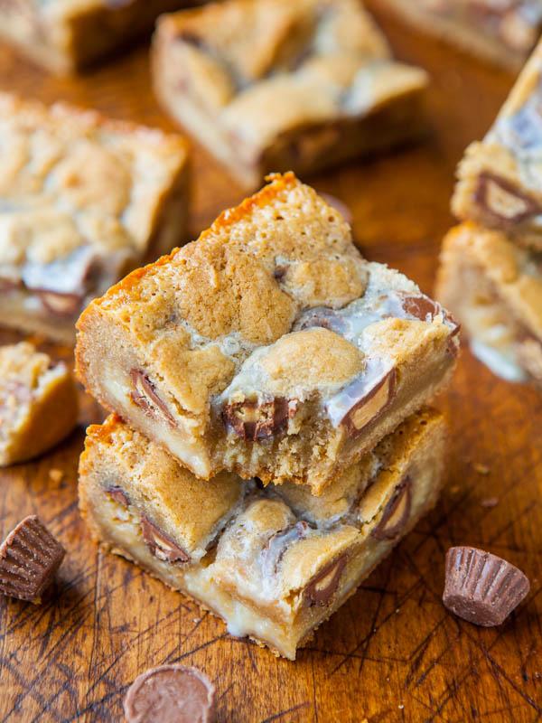 Peanut Butter Cup Cookie Dough Crumble Bars averiecooks.com