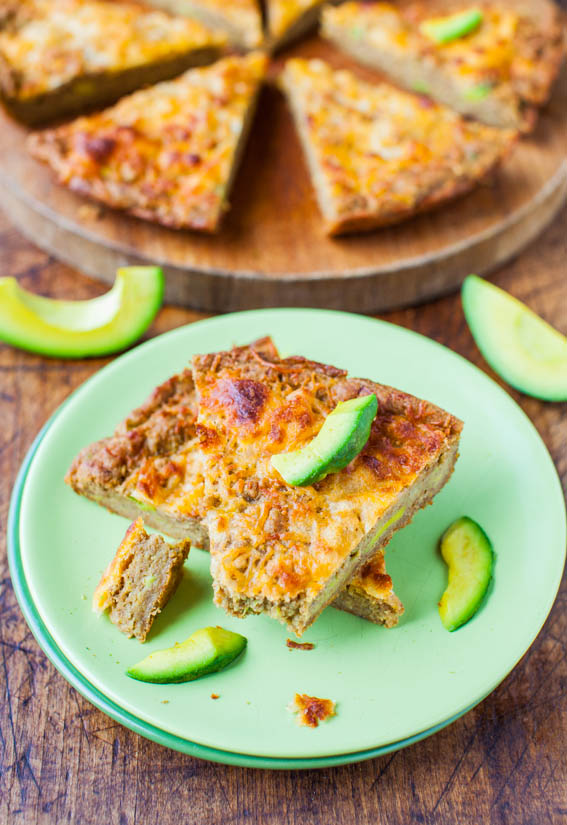 30-Minute Cheesy Avocado Skillet Pizza Bread (Whole-Wheat & Vegan) - Recipe at averiecooks.com