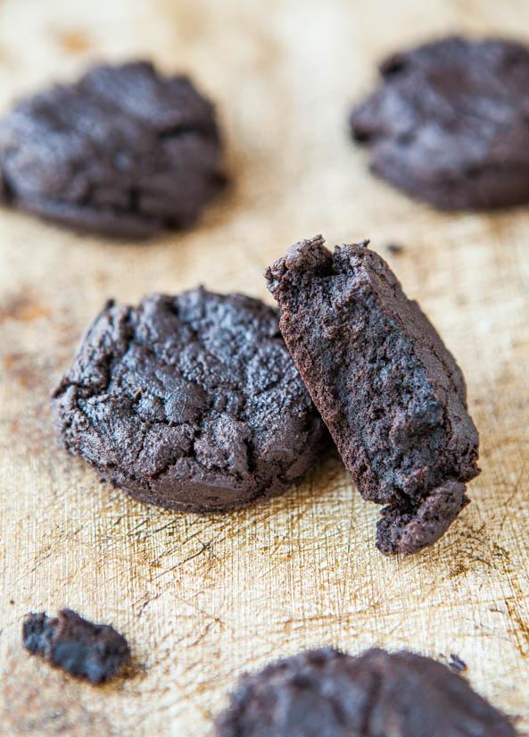 Dark Chocolate Dark Brown Sugar Cookies - Recipe at averiecooks.com