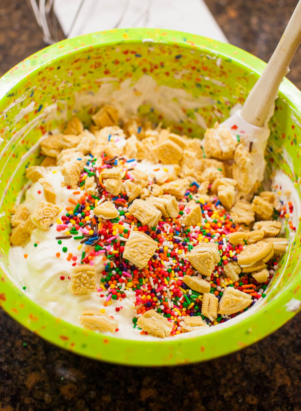 No-Ice-Cream-Maker Funfetti Cake Batter Golden Oreo Ice Cream - Tastes like Funfetti cake batter and you don't even need an ice cream maker!! Dangerously EASY to make and SO good!!