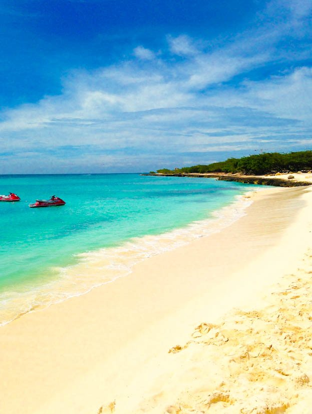 Eagle Beach, Aruba - averiecooks.com