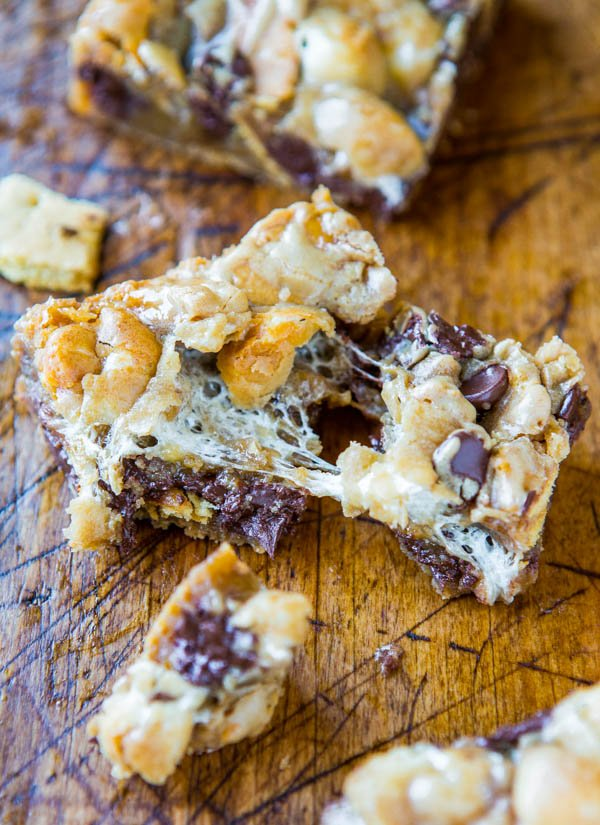 Soft and Gooey Loaded Smores Bars - Fast and Easy Recipe at averiecooks.com