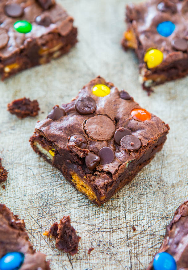 Loaded Fudgy Candy Bar Brownies - Fast, Easy, No-Mixer Recipe at averiecooks.com