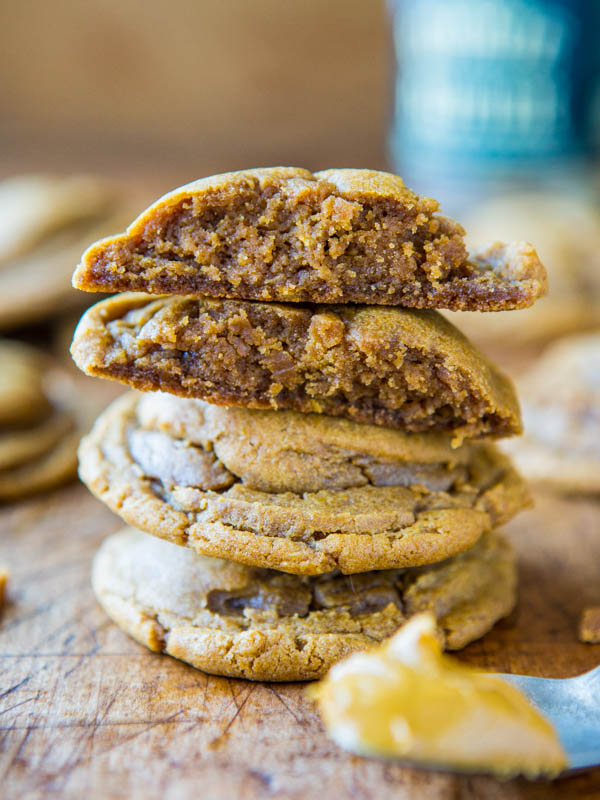 Softbatch Cookie Butter Brown Sugar Cookies - Easy Recipe at averiecooks.com