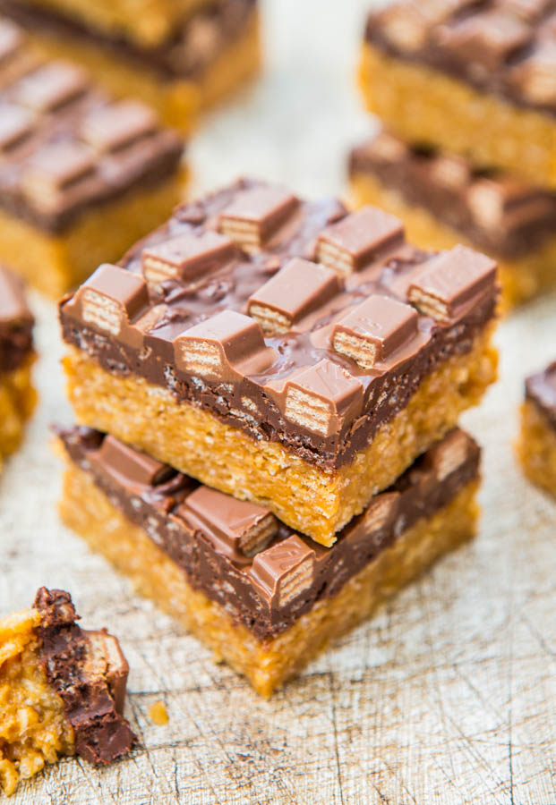 Chocolate Peanut Butter Kit Kat Crunch Bars (no-bake) - Easy Recipe at averiecooks.com