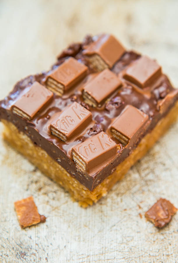 Chocolate Peanut Butter Kit Kat Crunch Bars (no-bake) - Easy Recipe at averiecooks.com