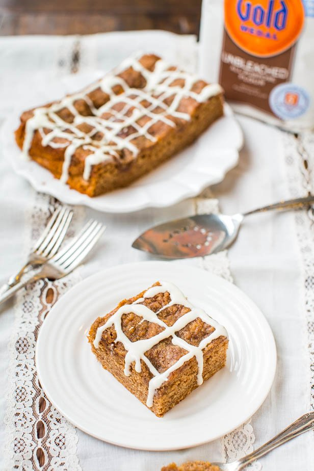 Brown Sugar-Topped Cinnamon-Sugar Coffee Cake with Vanilla Cream Cheese Glaze - Fast, Easy, No-Mixer Recipe on averiecooks.com