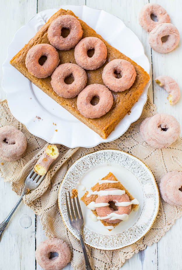 Cinnamon-Sugar Mini Donut-Topped Snickerdoodle Cake - Can't decide between donuts or coffee cake for breakfast? You can have them both in this soft, easy, one-bowl, no-mixer cake that's a crowd favorite! at averiecooks.com
