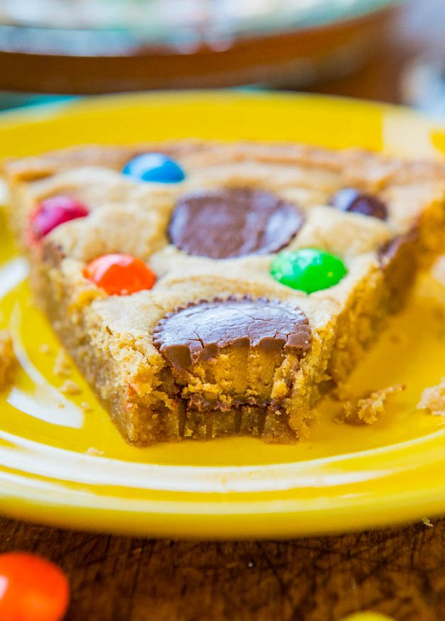 Triple Peanut Butter Cookie Pie - This fast & easy cookie pie has ...