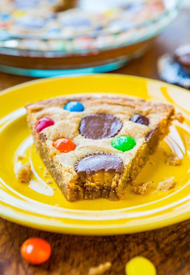 Triple Peanut Butter Cookie Pie - This fast & easy cookie pie has peanut butter worked in 3 different ways. If you're a peanut butter lover, this is for you!