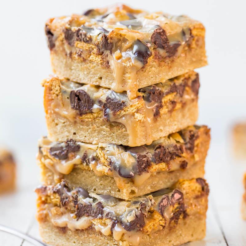 Caramel Peanut Butter Chocolate Chip Gooey Bars - Averie Cooks
