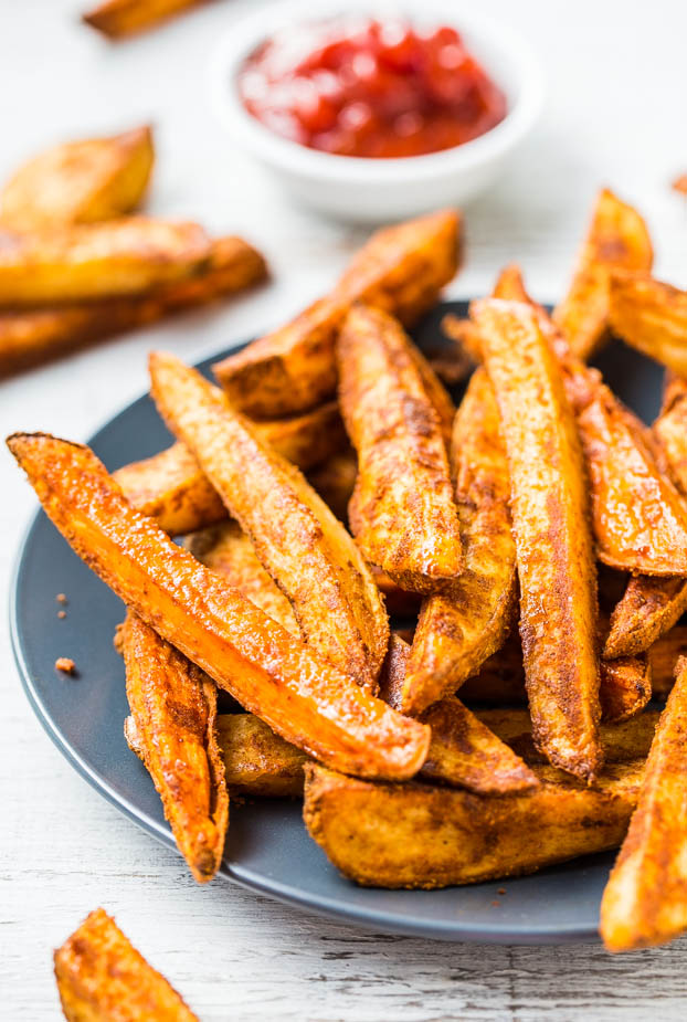 Baked Thick-Cut Seasoned Oven Fries (vegan, GF) - Learn the secrets to creating restaurant-style oven fries! They're baked rather than fried so you can have extra!