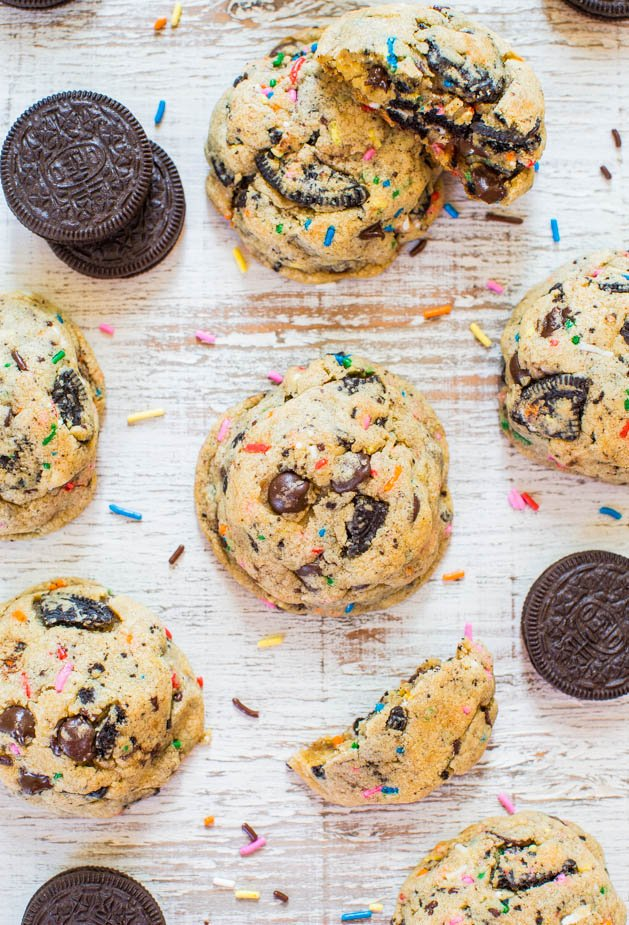 Funfetti Oreo & Sprinkles Chocolate Chip Cookies - Soft & chewy cookies loaded with crunchy Oreos & sprinkles in every bite!